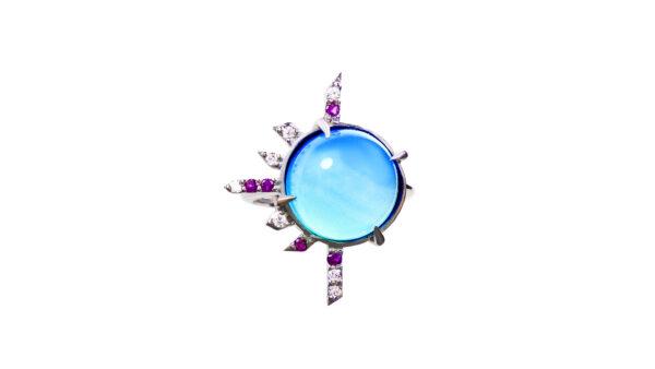 gold, blue calchedony, sapphires, diamonds